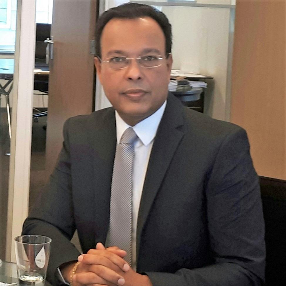Professor Dr. Dewanand Mahadew RM MIMgt CIBDE
